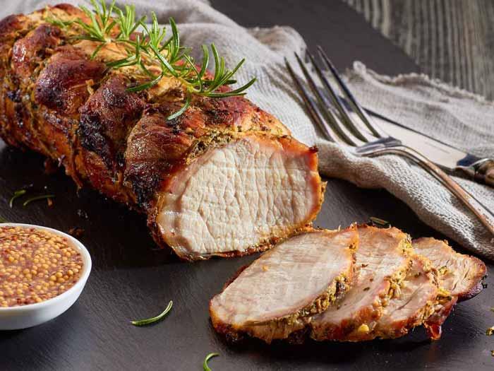 Запеченная в духовке свинина с приправой из цельных зерен горчицы
