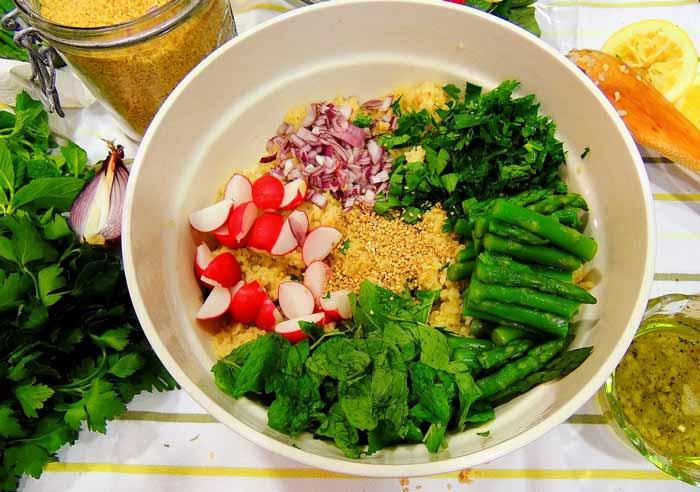 Горчица в салате
