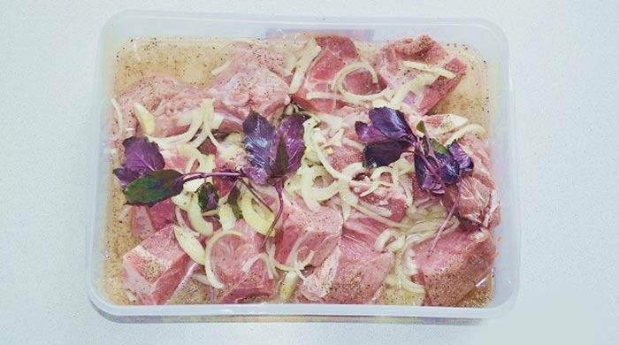 Маринад для шашлыка из свинины, куриного филе с базиликом