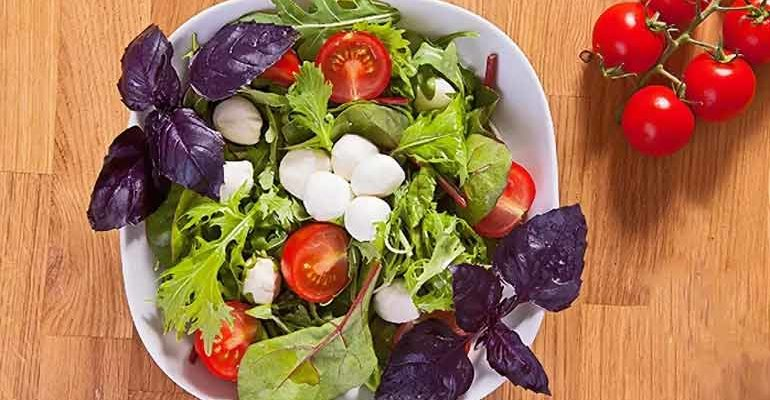 Салат с базиликком