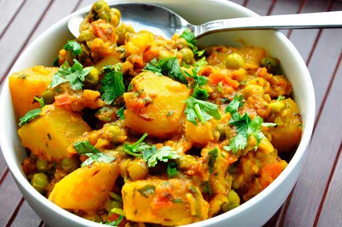 Тушеные овощи с лавром