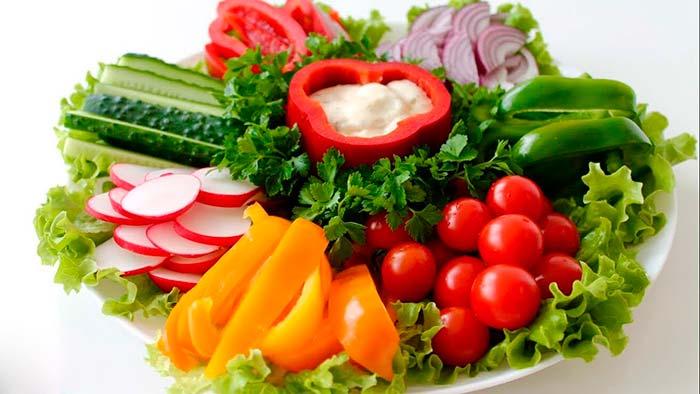 Можжевельник с овощами