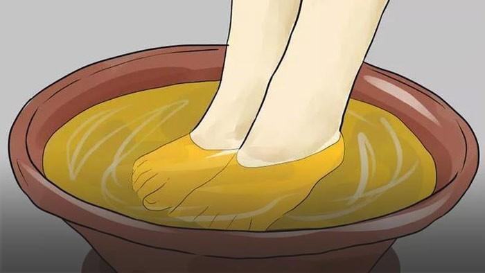 Можно ли при температуре парить ноги с горчицей: за и против