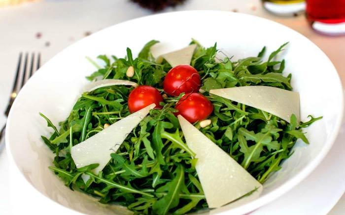 Что такое руккола, и как ее едят
