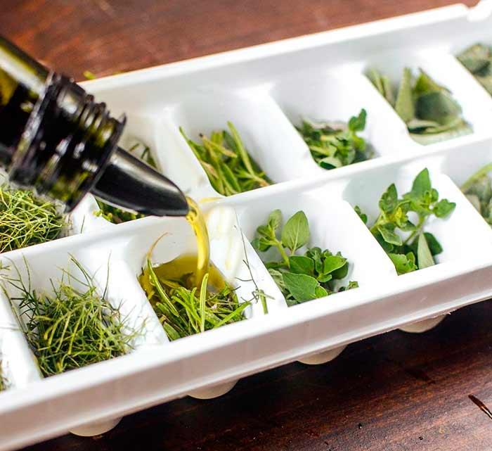 Зелень в оливковом масле