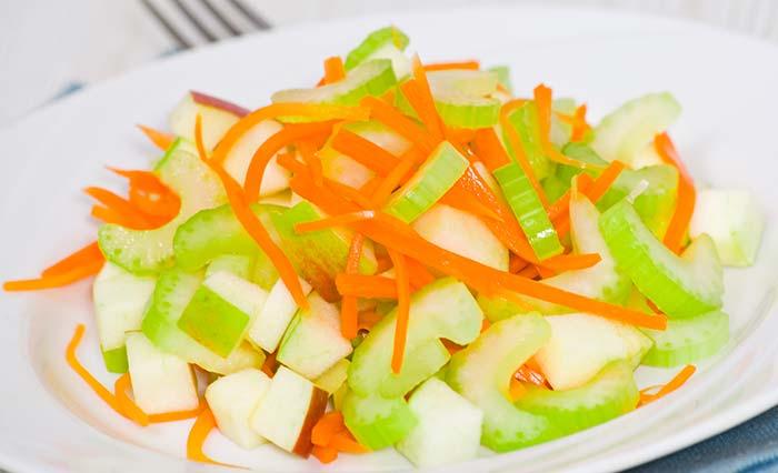 Салат из яблок и сельдерея