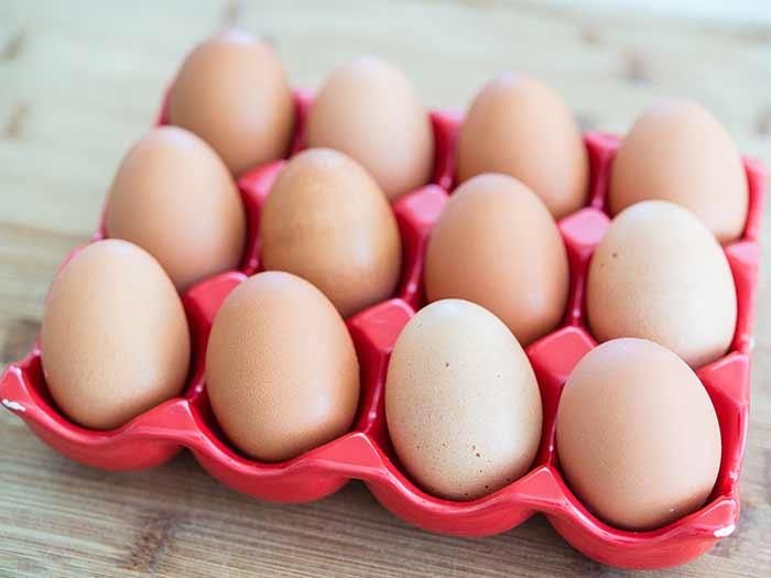 Салат с яйцами и сельдереем